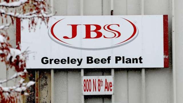 全球最大肉品供應商JBS遇駭 美、澳肉品加工停擺 (圖片:AFP)