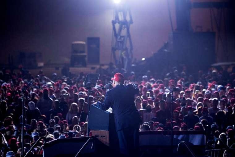 川普發言人預告,川普將回歸另一家社交媒體平台。(圖片:AFP)