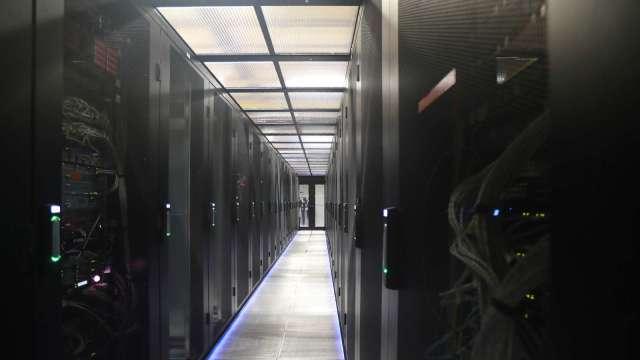 資料中心需求持續攀升。(圖:AFP)
