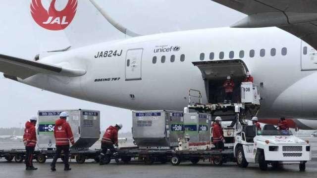 日124萬劑AZ疫苗下午抵台 蔡總統向日本政府致謝。(圖:駐日代表處)