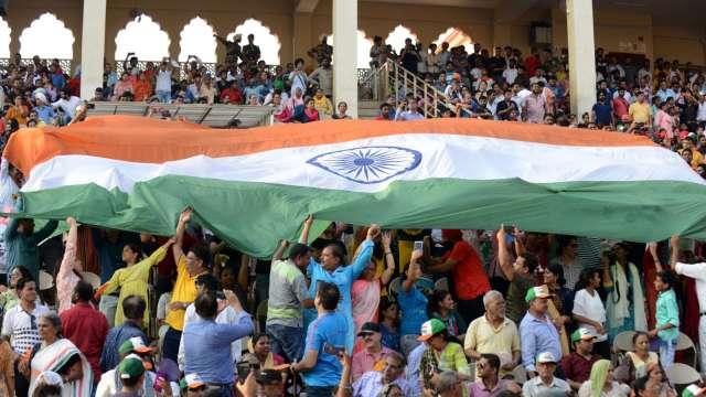 印度疫情趨緩 補漲機會到?(圖:AFP)