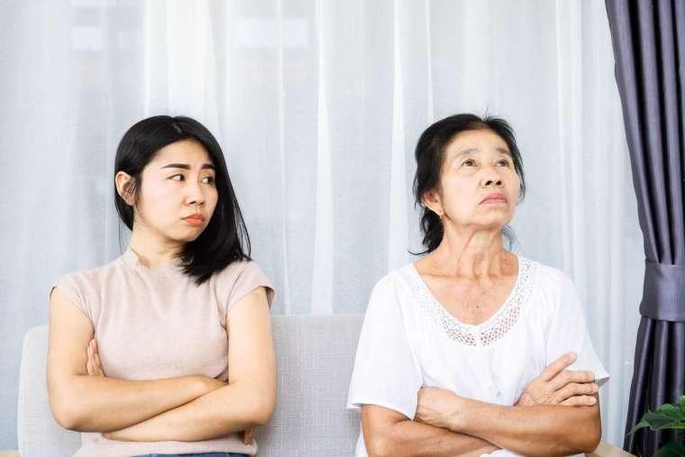 葉光輝說明,親子衝突經常來自價值觀衝突,未必有絕對的對錯,但成年子女與老年父母的親子溝通,過去較少被討論,在步入高齡化社會,將成為當代另一重要議題。 圖│iStock