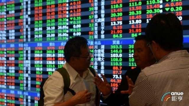 電子權值股欲振乏力 台股量縮小跌7點收17076點 5日線得而復失。(鉅亨網資料照)