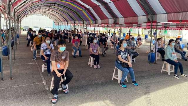 京元電確診人數達210人 外籍移工明進行二次快篩。(鉅亨網資料照)