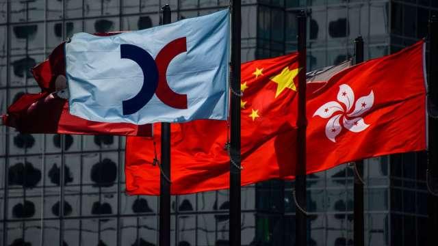 【袁志峰專欄】成交縮減,利好港股反彈 (圖片:AFP)