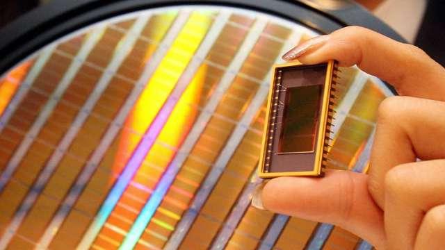 網傳SK海力士DRAM晶圓爆大量瑕疵、多達24萬片 (圖片:AFP)