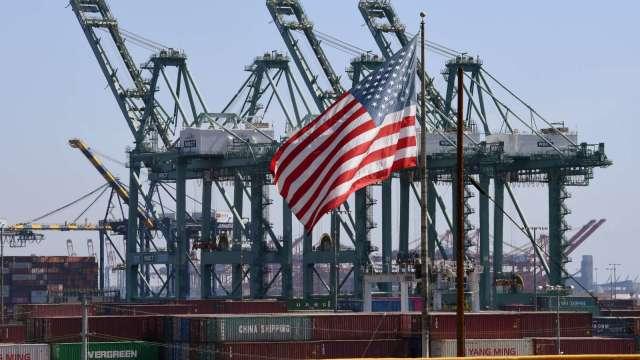 美國解封潮來了 成全球經濟復甦火車頭。(圖:AFP)