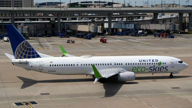 彭博:消息人士指稱 聯航有意購買上百架波音737MAX (圖片:AFP)
