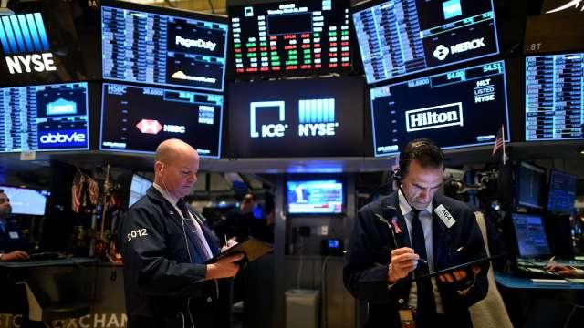 〈美股早盤〉無懼CPI飆升 道瓊開盤漲超200點 標普攀上新高 (圖:AFP)
