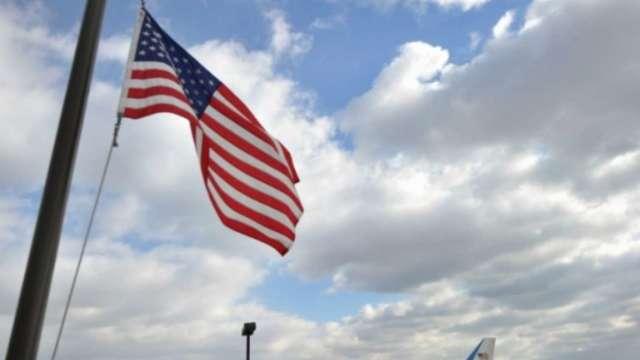美國上周初領失業金報37.6萬人 連續六周下滑 (圖:AFP)