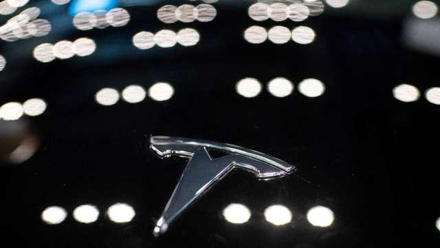 史上最快電動車 特斯拉Model S Plaid售價13萬美元、今日交車25輛 (圖片:AFP)