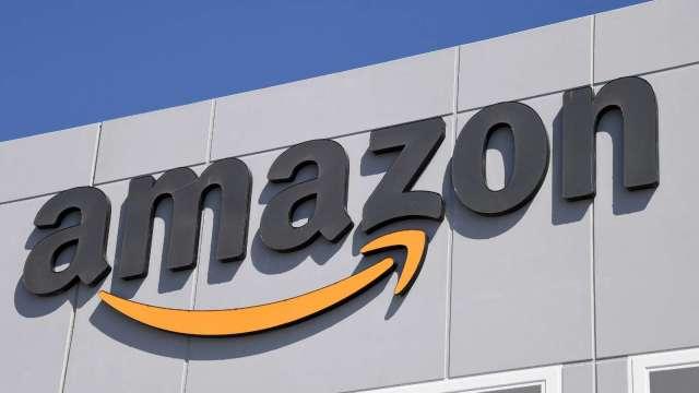 小摩:亞馬遜2022年將超越沃爾瑪 成為美國最大零售商 (圖片:AFP)