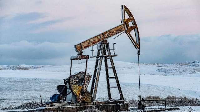 〈能源盤後〉需求復甦樂觀 核協未見進展 原油重返2年多高點 (圖片:AFP)