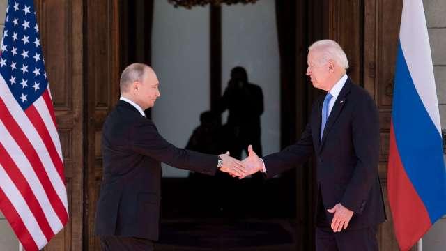 美俄峰會融冰 同意遣返大使 重啟外交活動 (圖片:AFP)
