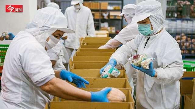 疫情下蔬菜箱意外大紅「一天就賣1000箱」。(圖:今周刊)