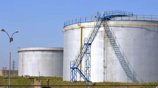 美國燃油需求大增 奧克拉荷馬庫欣儲油槽空空如也(圖:AFP)