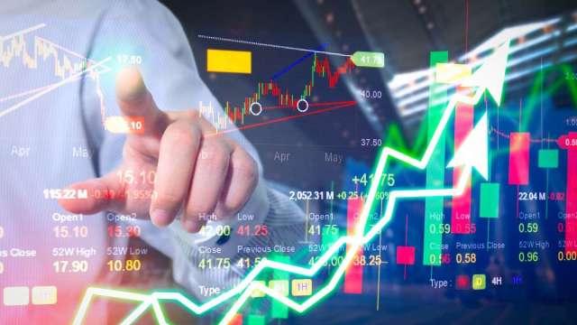 張志誠觀點:散裝航運股全線噴出 未來獲利大好的來源是什麼?(圖:shutterstock)
