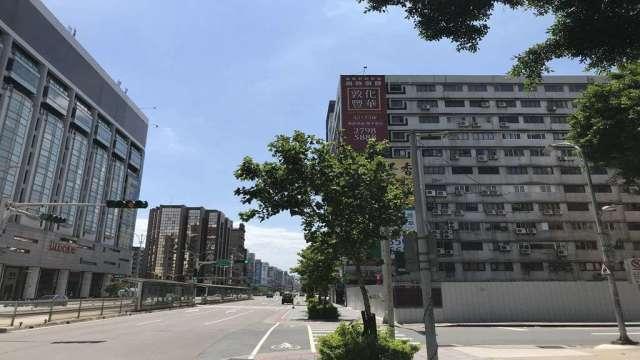 皇翔建設以8.5億標下微風南京對面232坪地上權標案。(鉅亨網記者張欽發攝)