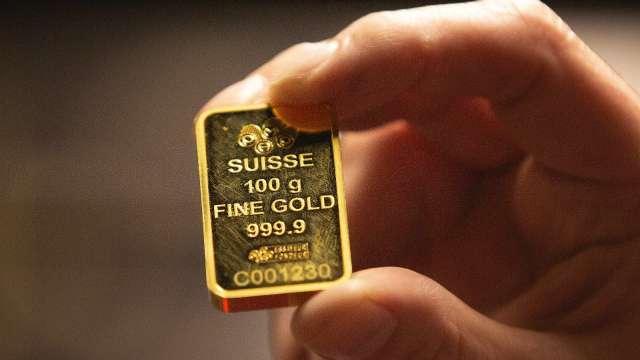 金價年底前挑戰2000美元 外銀不悲觀。(圖:AFP)