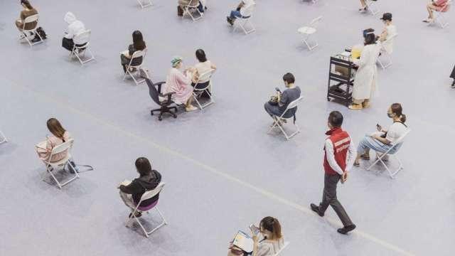 政院:雙北外送員、收銀員高風險工作者 7/1起開放打疫苗。(圖:新竹市府提供)