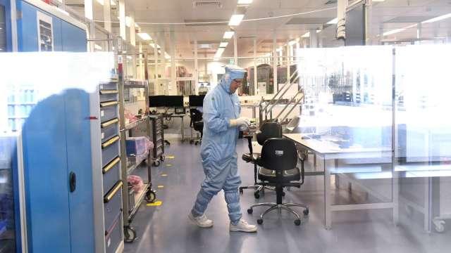 SEMI:今、明兩年將建29座晶圓廠 帶動設備支出大增。(圖:AFP)