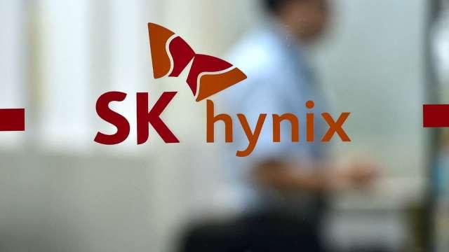 SK海力士強化8吋代工廠實力 併購、招募一次來(圖片:AFP)