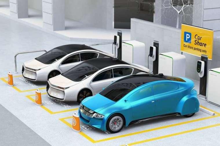 使用者購買汽車後,一台車每天平均僅使用 2 小時,但若採用像 iRent 這樣的汽車共享服務,不僅可以擴大產品的使用頻率,也可有效提升減碳效率。