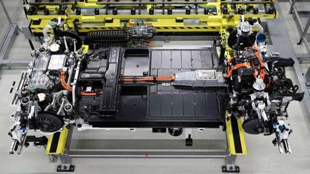 富士康電動車平台年底前亮相(圖片:AFP)