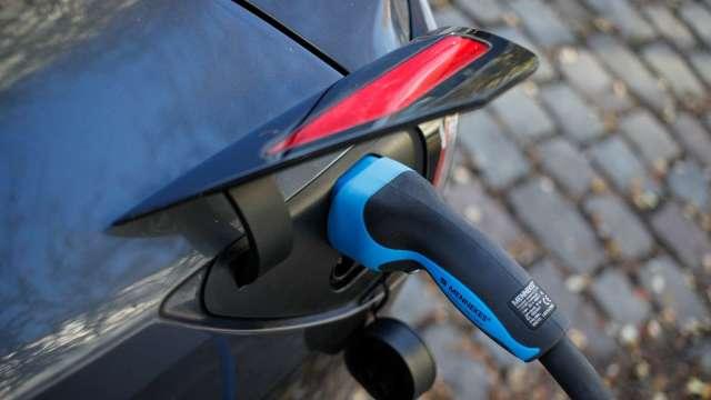 中國遠景集團將於法國設電池工廠 供雷諾汽車使用 (圖片:AFP)