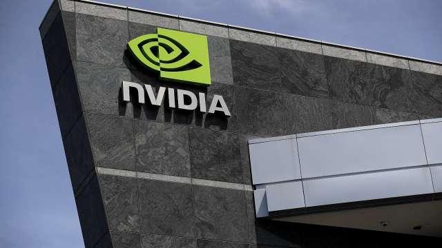 傳聯發科等三大晶片廠支持後 Nvidia股價首度突破800美元。(圖片:AFP)
