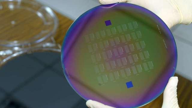 工研院四項菁英獎技術聚焦半導體、PCB、生技產業,圖為相控陣列變頻微波技術開發。(工研院提供)