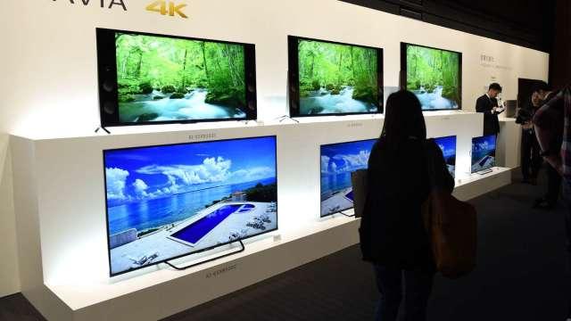 研究:LCD面板需求可能下半年觸頂 出現供過於求 (圖片:AFP)