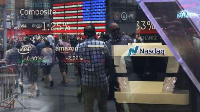 〈美股早盤〉6月小非農優預期 美股開低震盪 道瓊隨後翻紅小漲 (圖:AFP)