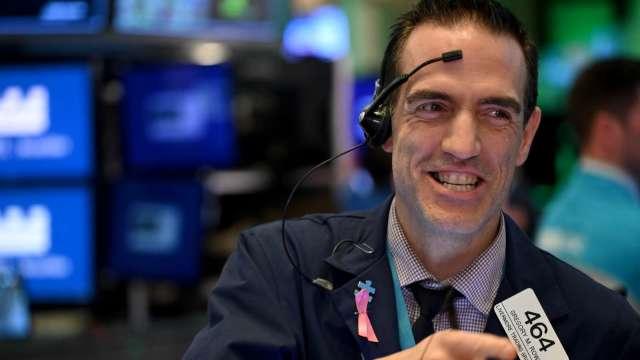 標普500指數看漲趨勢不變 回檔都是買入機會。(圖:AFP)