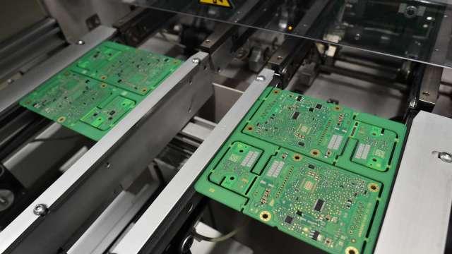 傳中資將接手英國最大晶片廠NWF 報價約6300萬英鎊 (圖:AFP)