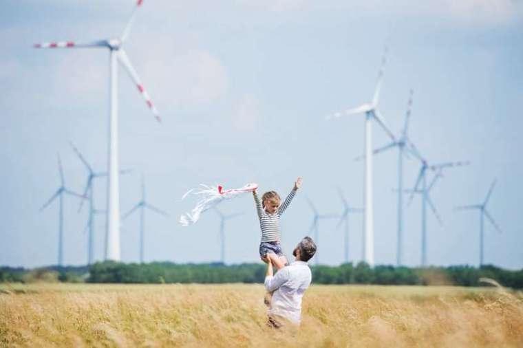 在離岸風電領域,臺灣更是領先亞洲各國的佼佼者,除了各國內外開發商,台電也兼營離岸風場。