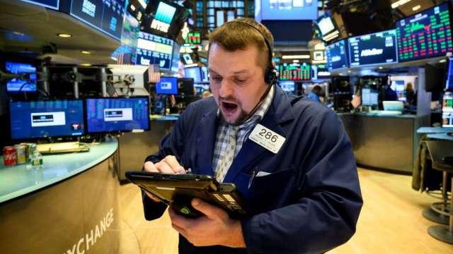 美國散戶6月大買股票及ETF 金額創2014年以來單月新高(圖:AFP)