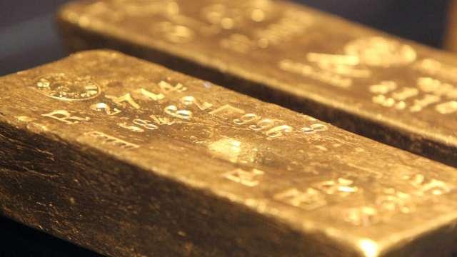 高盛:黃金抗通膨優於加密貨幣 金價仍有38%上漲空間(圖片:AFP)