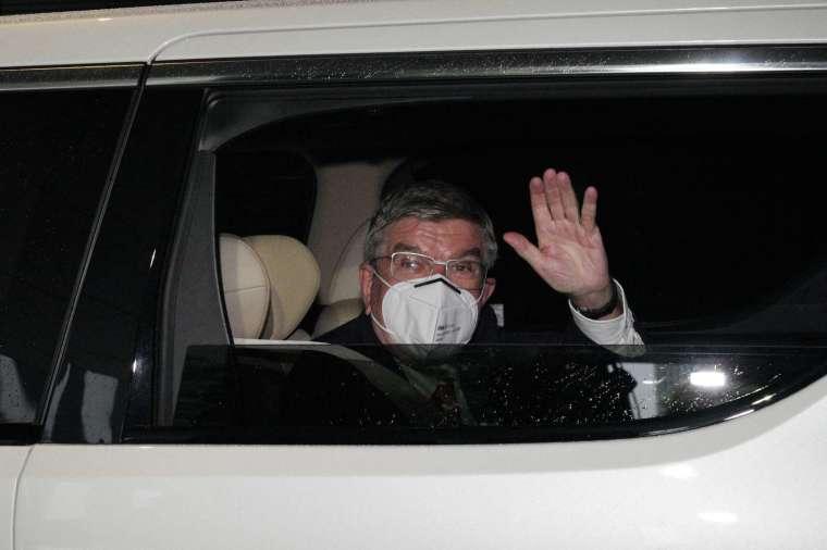 國際奧委會主委巴赫飛抵日本 將為東奧開賽進行最後準備 (圖片:AFP)