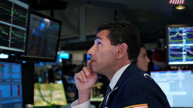 市場情緒開始惡化 VIX大漲 十年期美債殖利率跌至1.29%。(圖片:AFP)