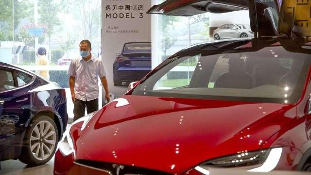 特斯拉6月中國銷量降 推平價中國製Model Y衝買氣 (圖:AFP)