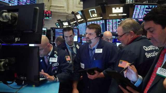美股散戶6月買超逾280億美元 創7年來新高。(圖:AFP)