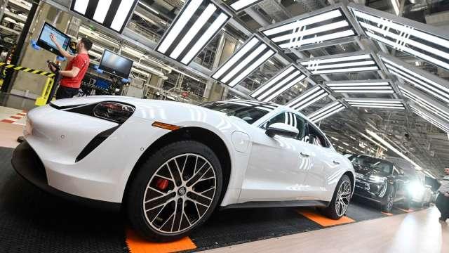 全球車市近來逐步復甦。(圖:AFP)