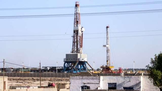 原油期權市場看多情緒猛烈 近期引發油價震盪不斷 (圖:AFP)