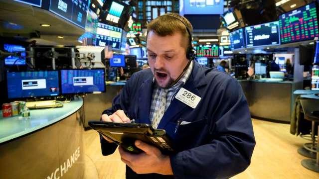 調查:投資人對美股樂觀程度達3年新高 但對通膨擔憂加劇(圖:AFP)