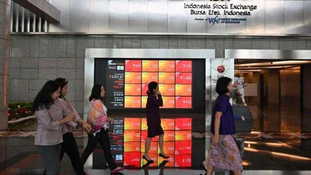 小摩:估值已更加合理 現在是買入亞股的良機(圖:AFP)