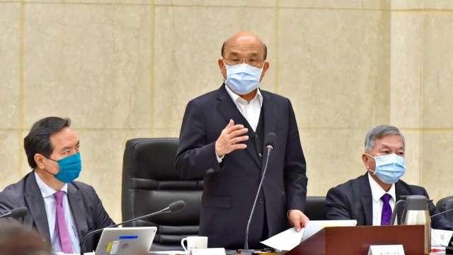 政院:近200萬劑AZ、莫德納疫苗 下午運抵台灣。(圖:行政院提供)