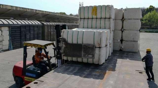 美國參議院通過法案 原則上禁止進口新疆產品(圖:AFP)