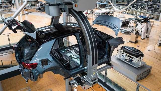 中國工信部將以替代與提升產能 解決汽車晶片不足問題(圖片:AFP)