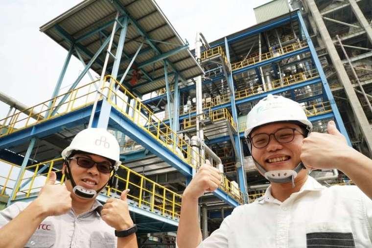 工研院2012年與台泥合作,在花蓮和平 廠建立亞洲首座鈣迴路碳捕捉試驗廠,成功降低水泥生產過程的碳排放量。